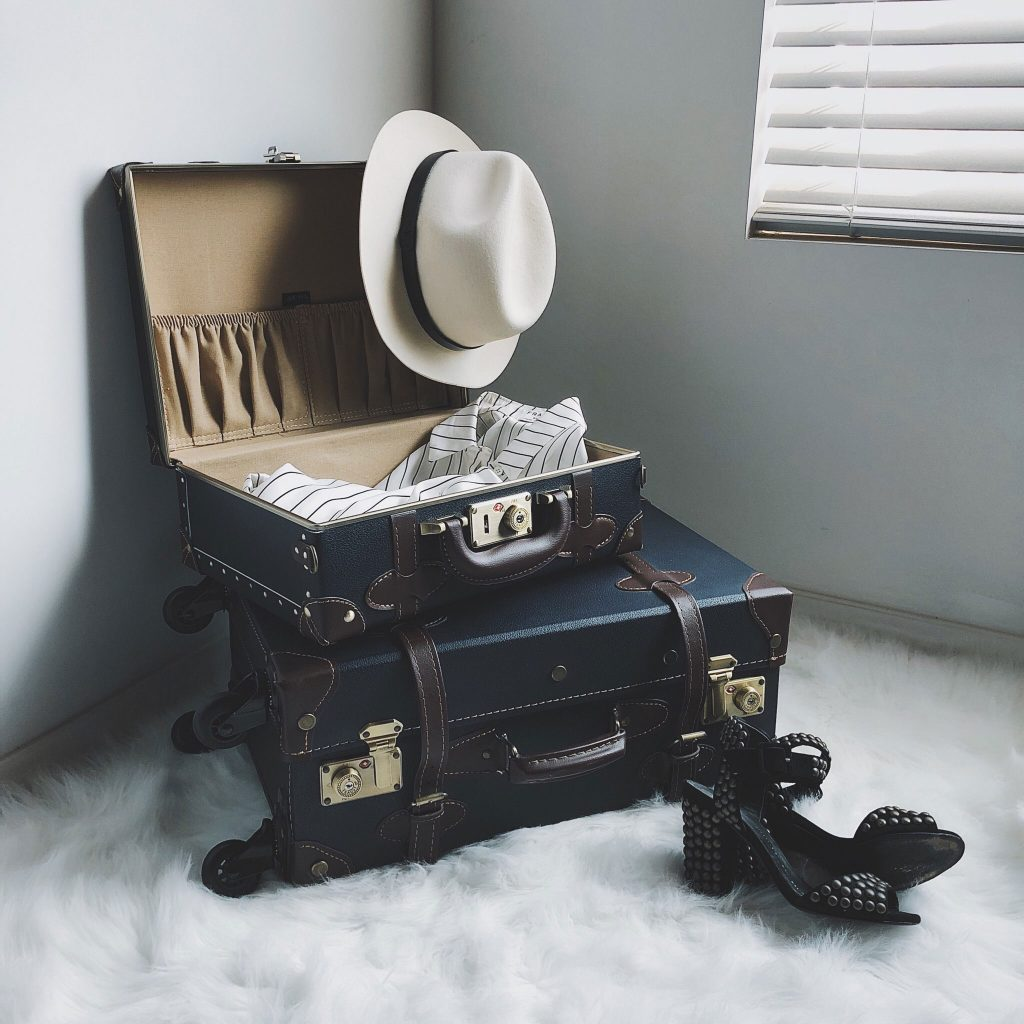Chic Vintage Look Luggage That Won't Break The Bank – MOIERG Vintage Luggage Review