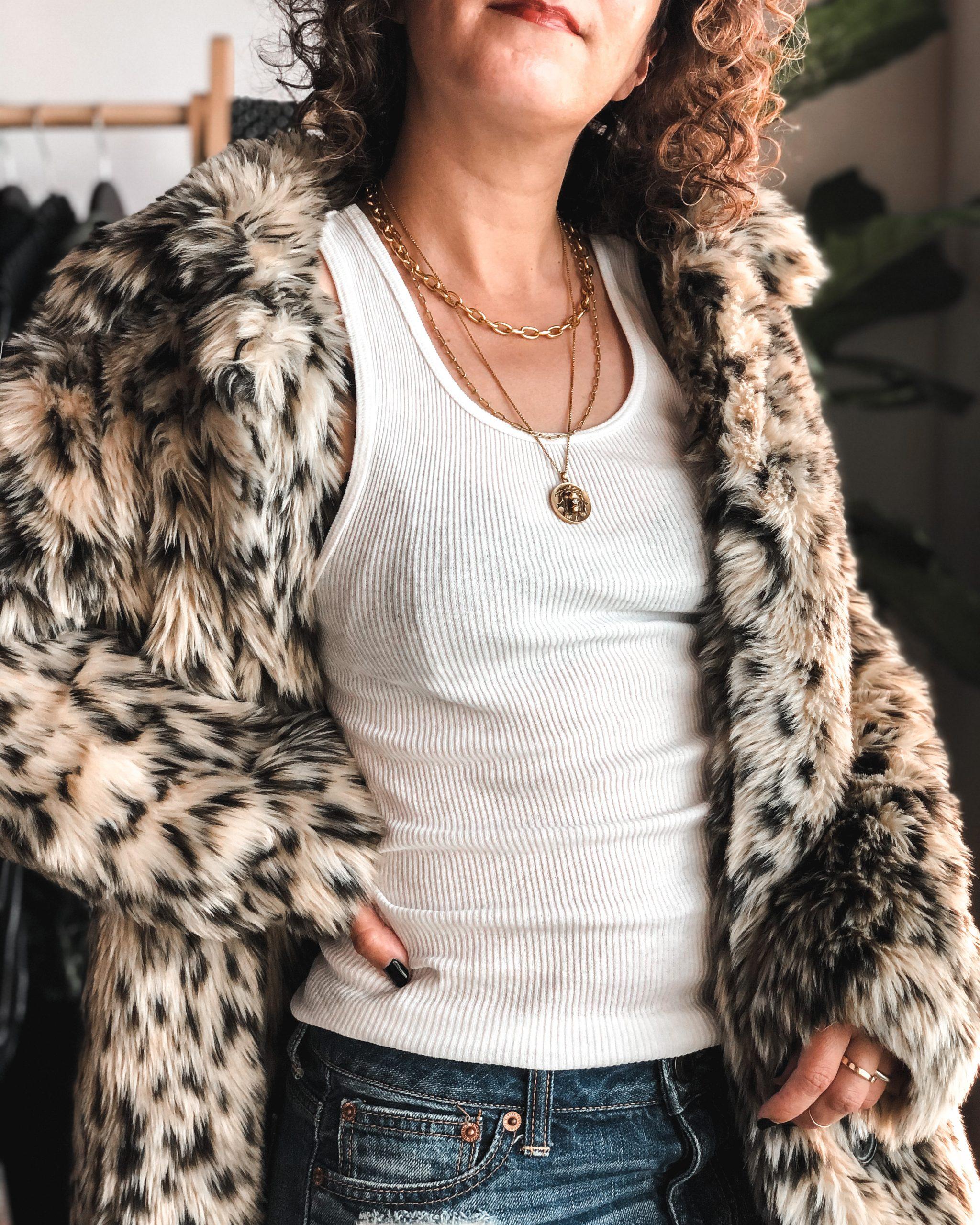 Leopard faux fur coat outfit